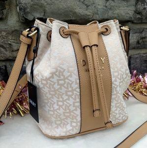✨DKNY Noho Bucket Drawstring Crossbody Bag